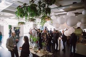 Symposium organiseren 100-275 personen decoratie groen