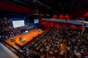 Symposium organiseren 750-1000 zaal met mensen